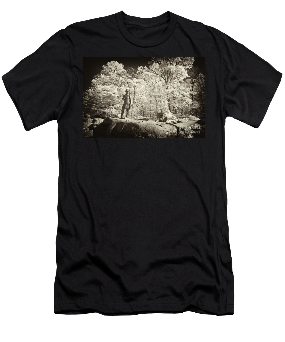 Gettysburg Battlefield Men's T-Shirt (Athletic Fit) featuring the photograph Commanding General by Paul W Faust - Impressions of Light