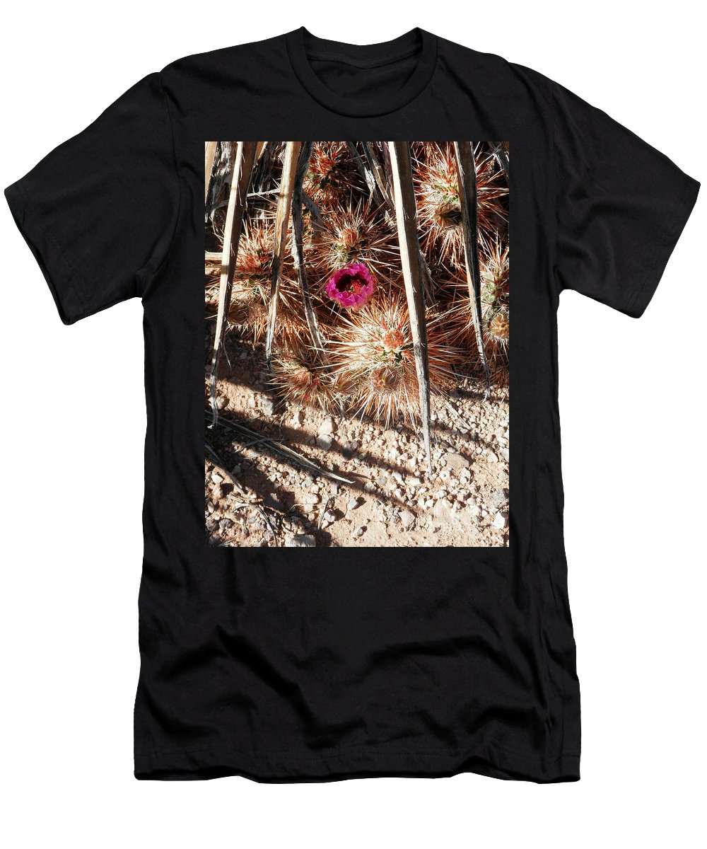 Desert Plants Men's T-Shirt (Athletic Fit) featuring the photograph Common Abode by L Cecka