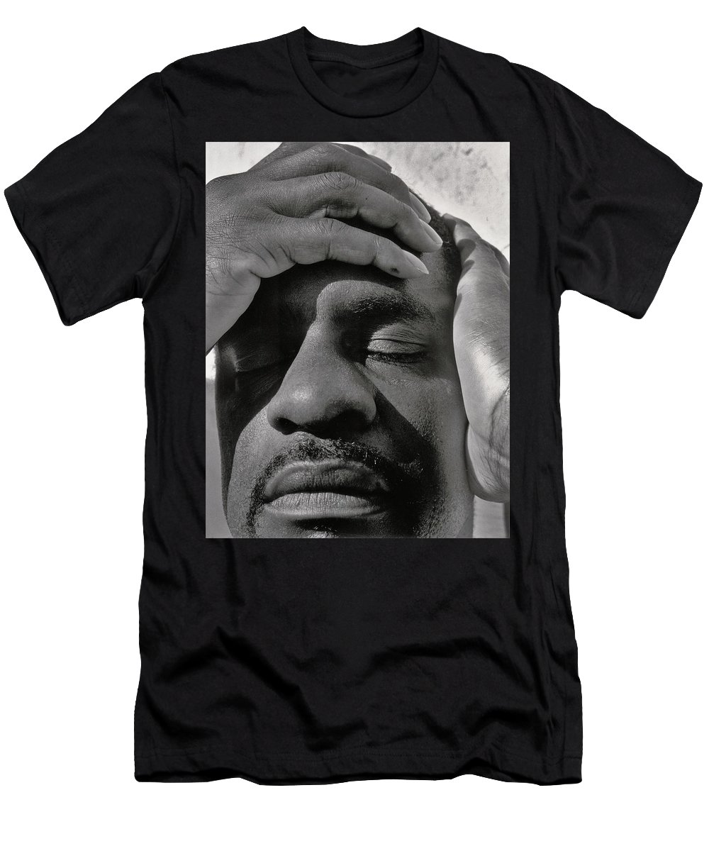 Portraits Men's T-Shirt (Athletic Fit) featuring the photograph Contemplating Infinity by Heidi Fickinger
