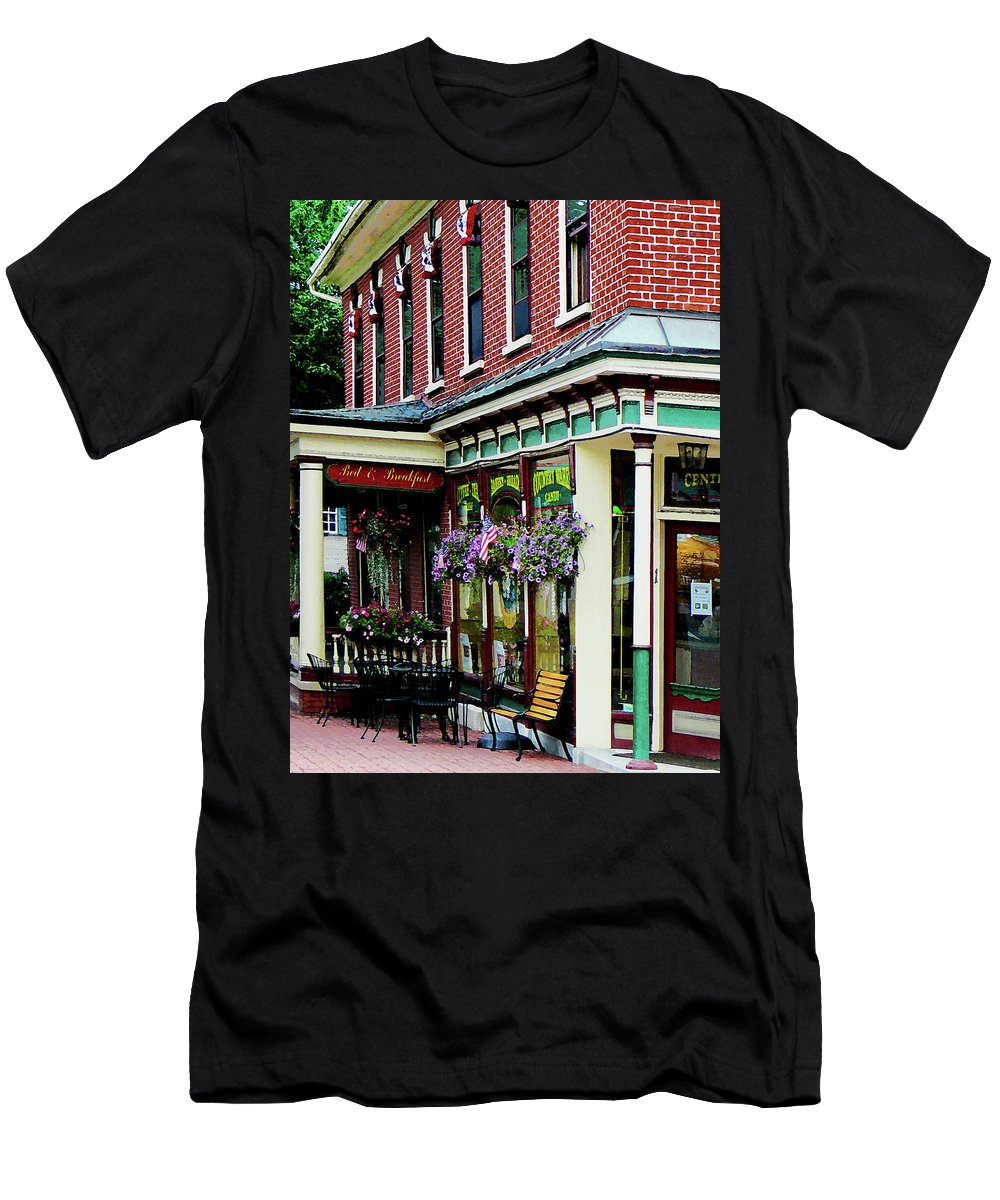 Restaurant Men's T-Shirt (Athletic Fit) featuring the photograph Corner Restaurant With Hanging Plants by Susan Savad