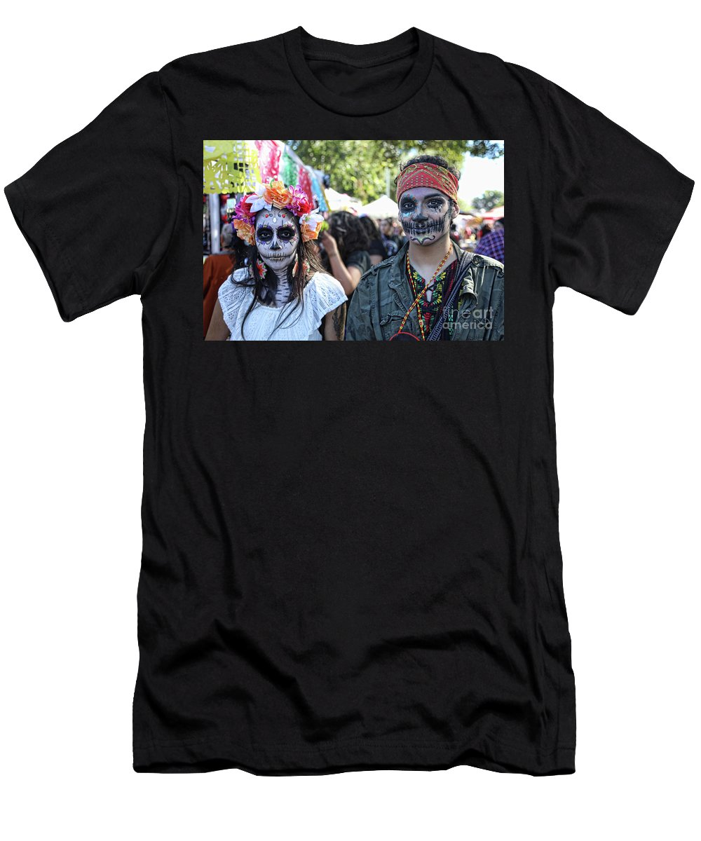 Dia De Los Muertos Men's T-Shirt (Athletic Fit) featuring the photograph Couple Day Of Dead 2 by Chuck Kuhn