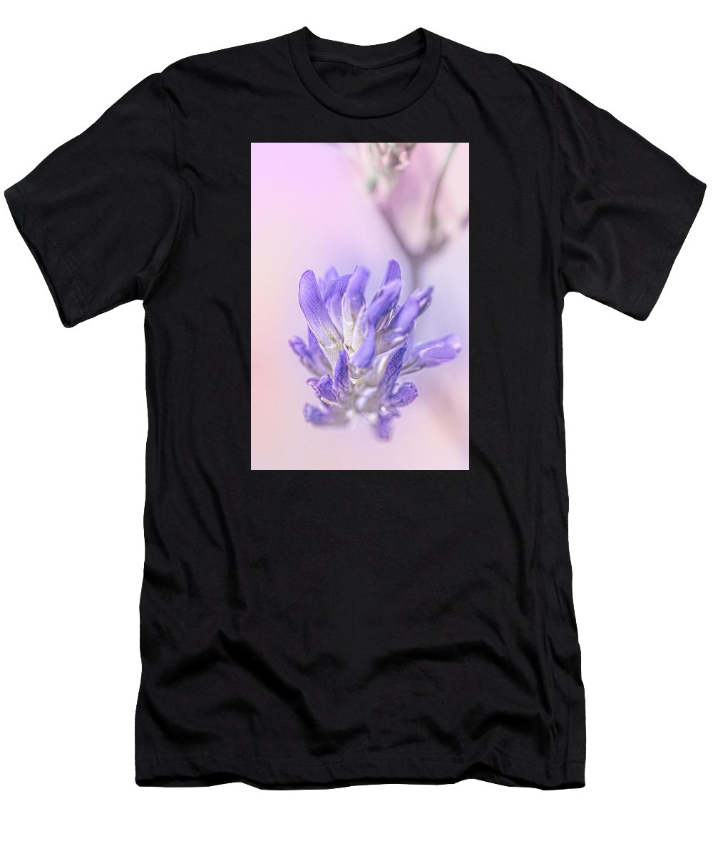 Flowers Men's T-Shirt (Athletic Fit) featuring the photograph Cysur by Greg Collins