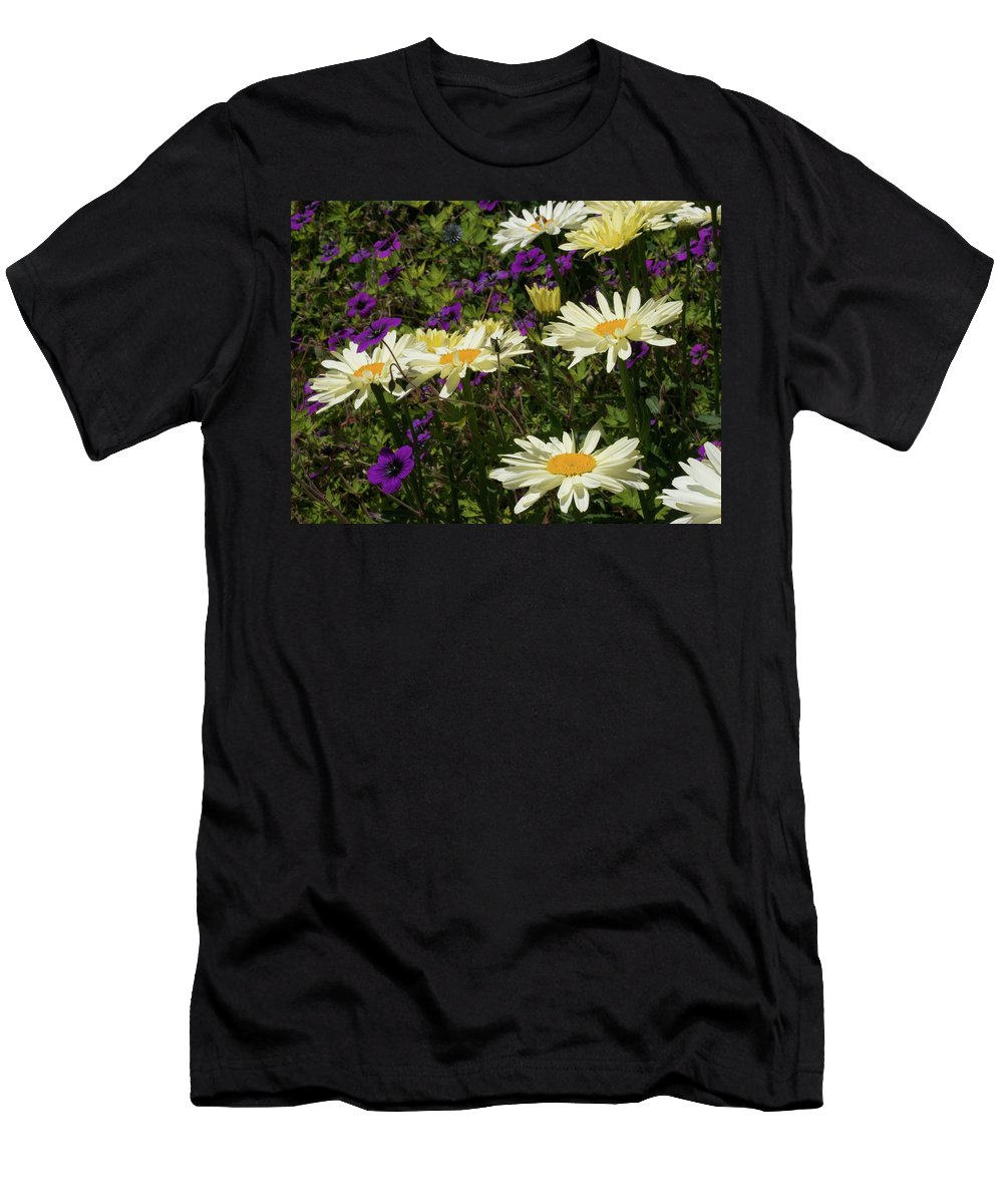 Flower Men's T-Shirt (Athletic Fit) featuring the photograph Daisies by Kathy Benham