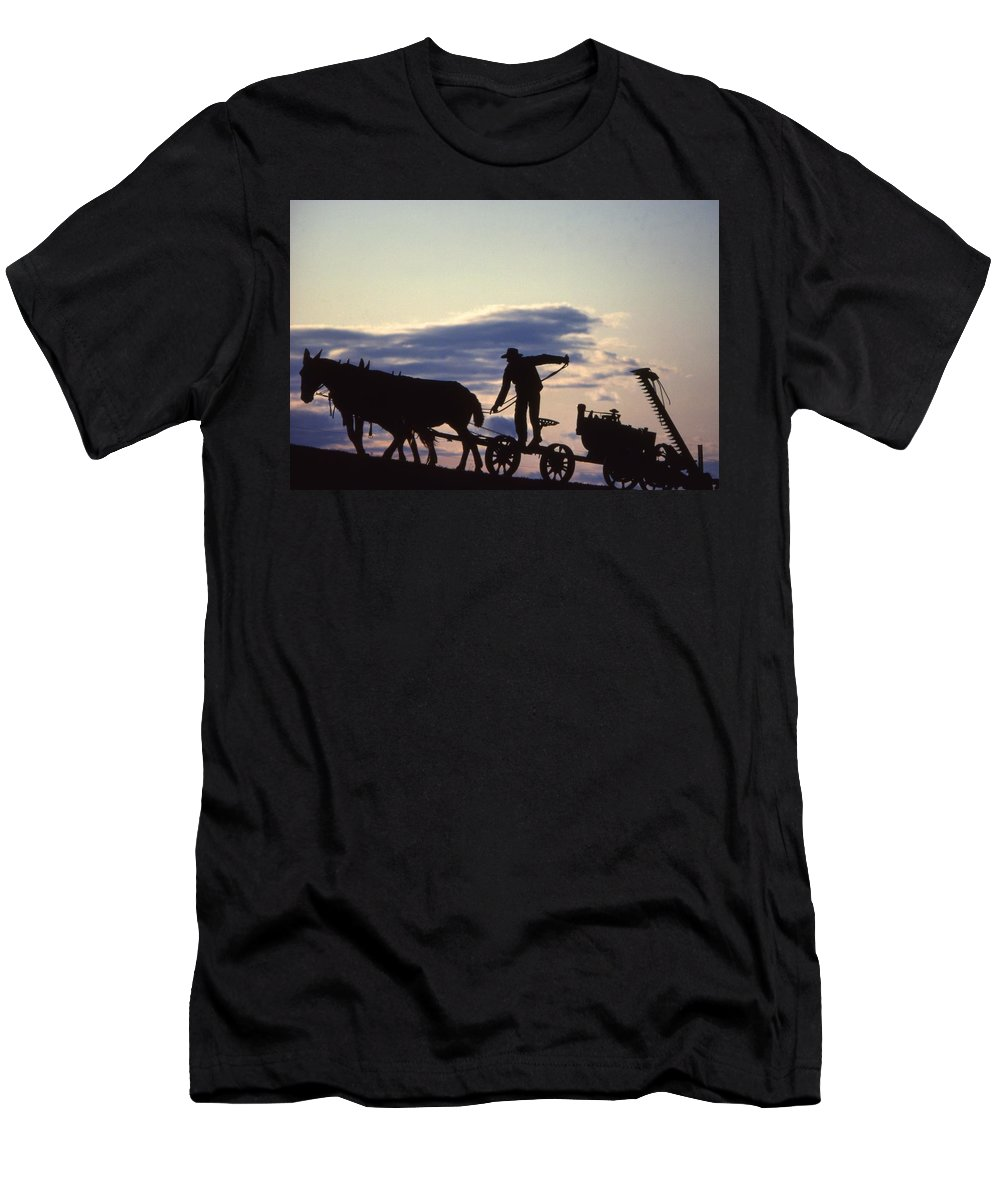 Amish Farmers Men's T-Shirt (Athletic Fit) featuring the photograph Day's End Amish Farmer Barnhill by Blair Seitz