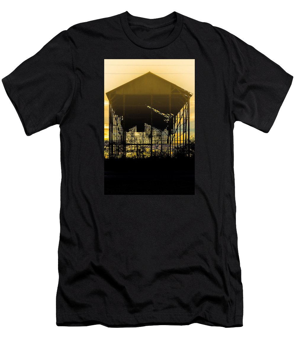 Barn Men's T-Shirt (Athletic Fit) featuring the photograph Decrepid Barn by Paul Gibson