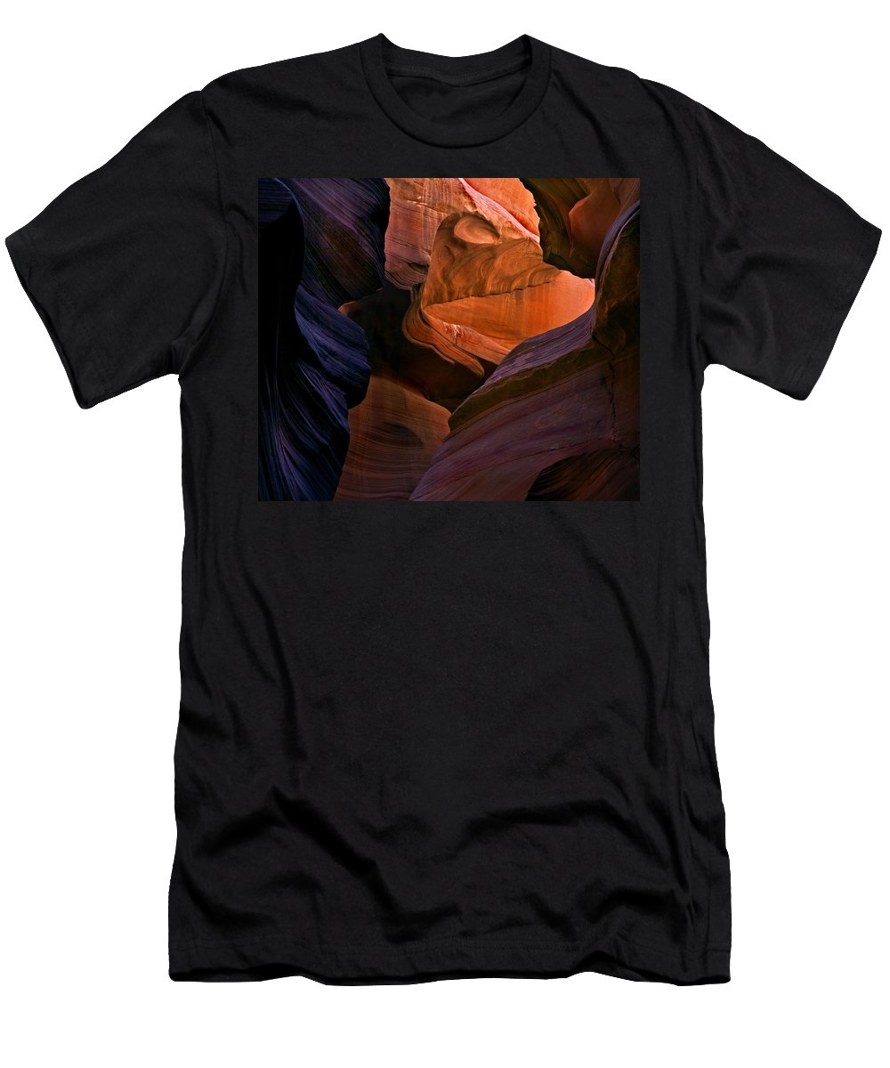 Sandstone Men's T-Shirt (Athletic Fit) featuring the photograph Desert Bridge by Mike Dawson