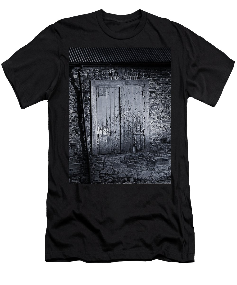 Irish Men's T-Shirt (Athletic Fit) featuring the photograph Door To Nowhere Blarney Ireland by Teresa Mucha