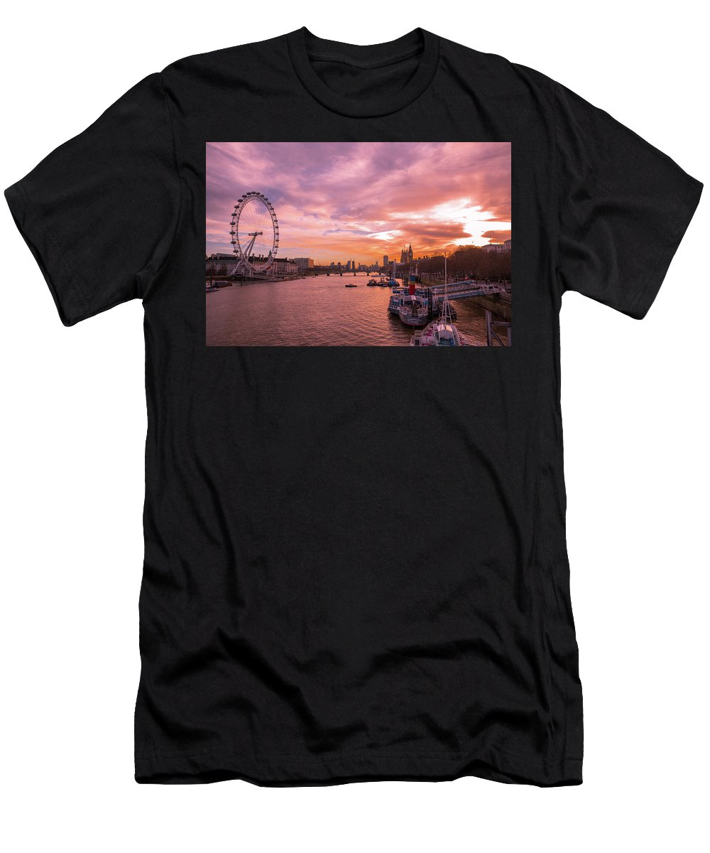England Men's T-Shirt (Athletic Fit) featuring the photograph Dramatic Sunset In London by Marius Comanescu