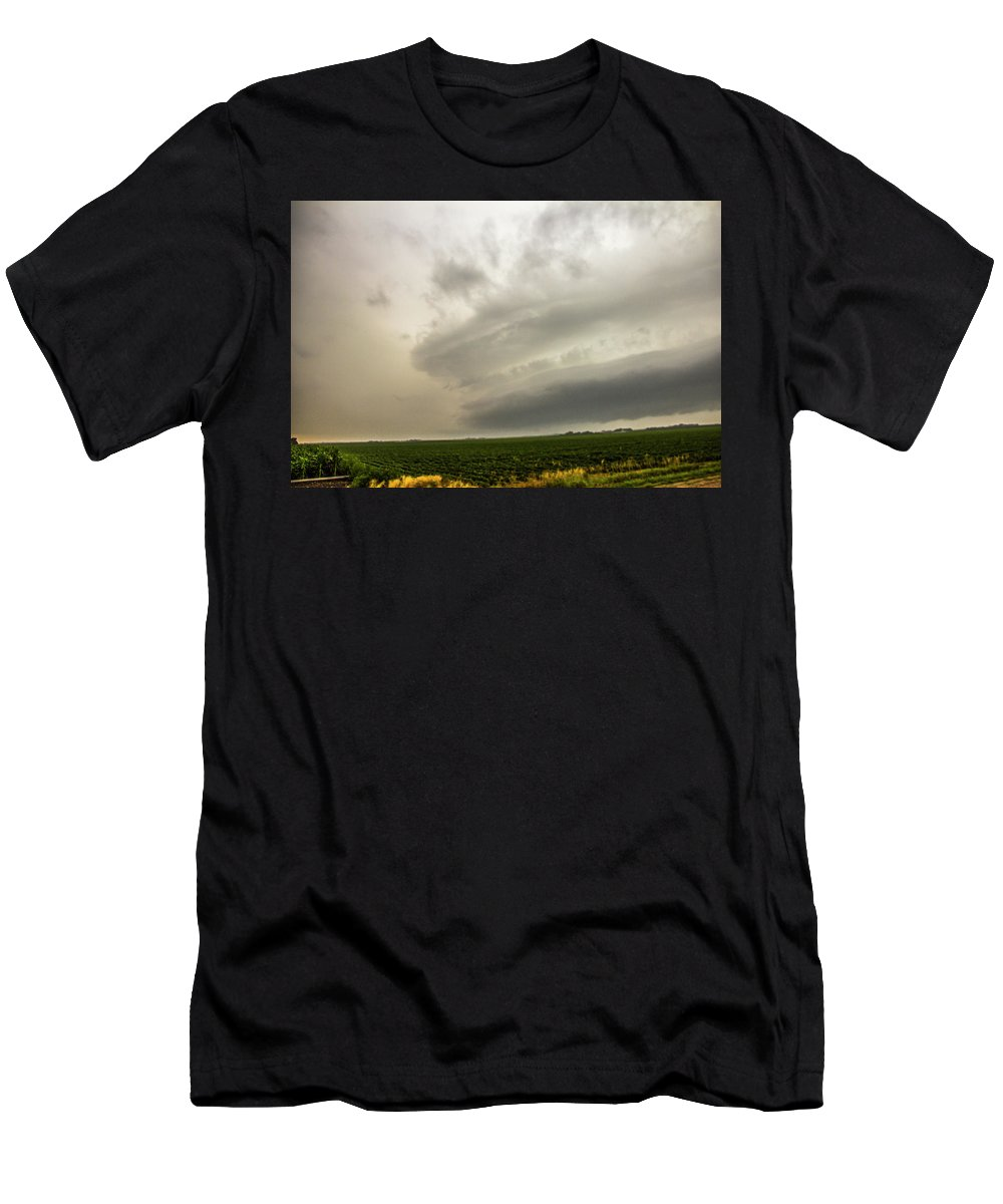 Nebraskasc Men's T-Shirt (Athletic Fit) featuring the photograph Early Morning Nebraska Storm Chasing 012 by NebraskaSC