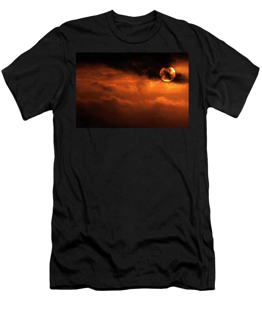 Sunset Men's T-Shirt (Athletic Fit) featuring the photograph Eclipse by Andrew Paranavitana