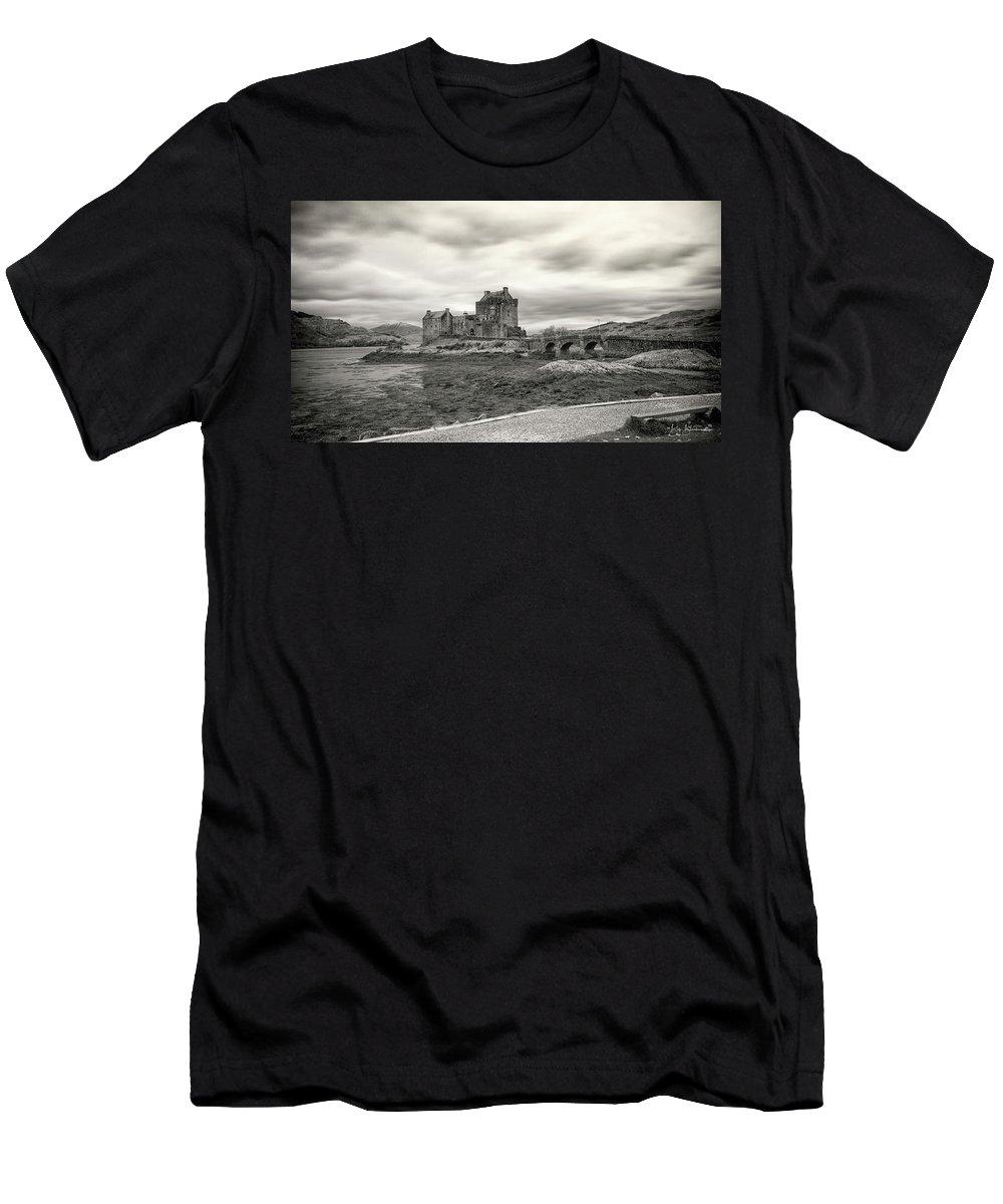 Eilean Donan Men's T-Shirt (Athletic Fit) featuring the photograph Eilean Donan Castle Bw 1337 by Bob Blankenship