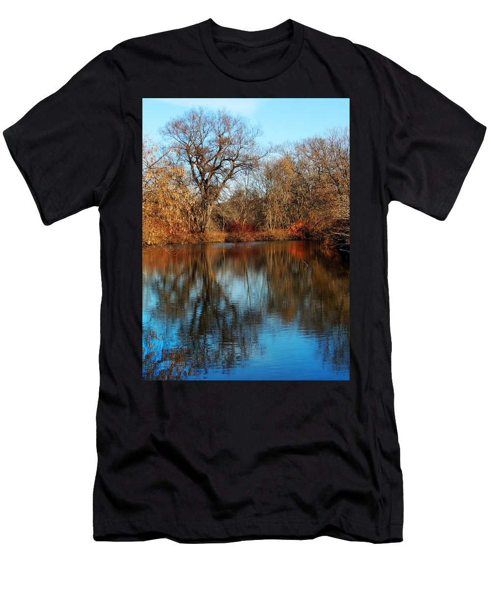 Connecticut River Men's T-Shirt (Athletic Fit) featuring the photograph Elm By The Connecticut River In Autumn by Nancy Griswold