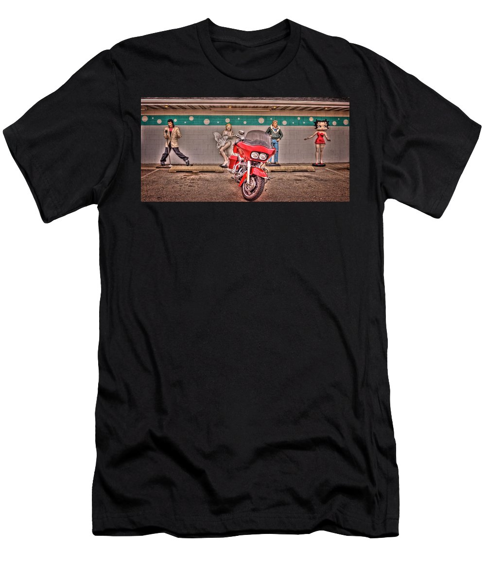 Braidwood Men's T-Shirt (Athletic Fit) featuring the photograph Elvis, Marilyn, James And Betty by Fred Hahn