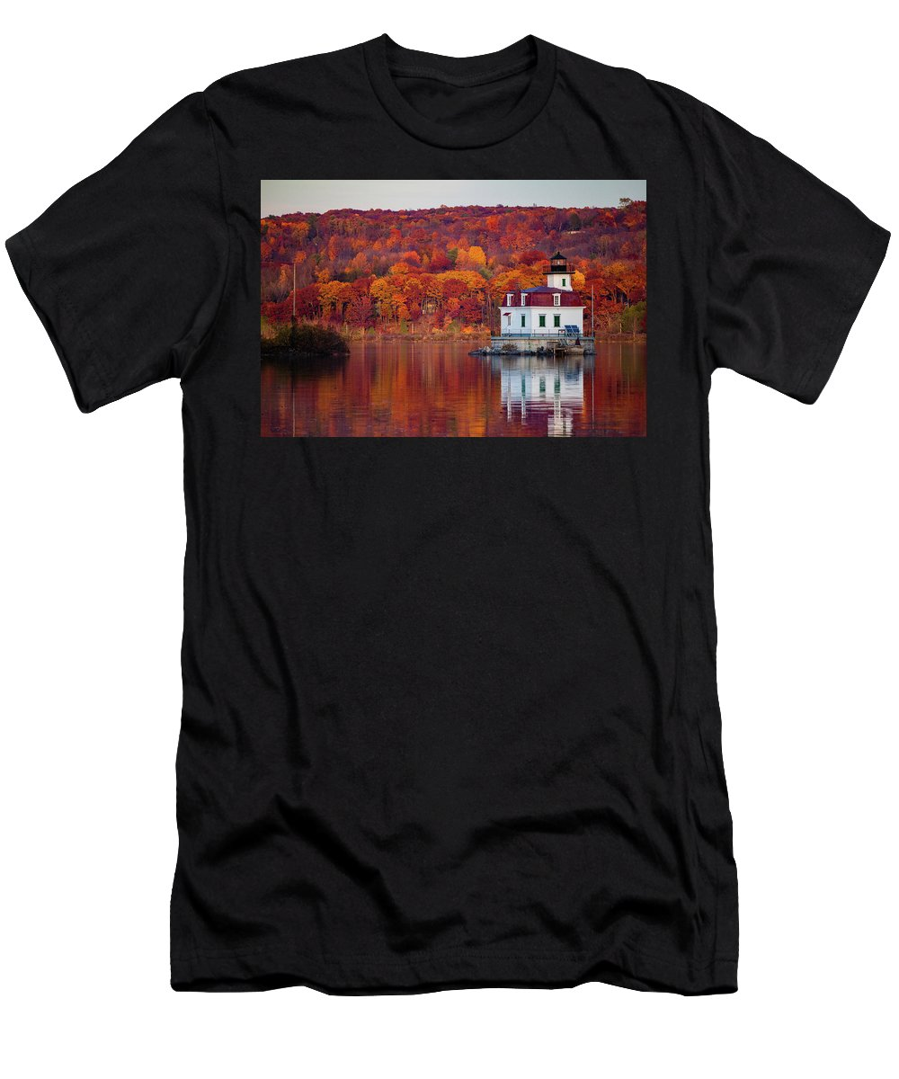 Lighthouse Men's T-Shirt (Athletic Fit) featuring the photograph Esopus Lighthouse In Late Fall #1 by Jeff Severson