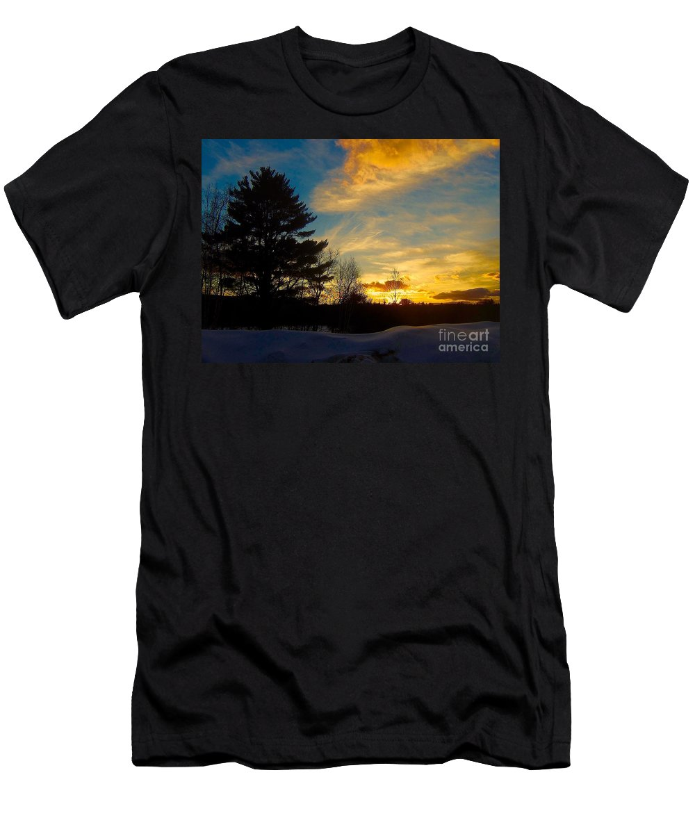 Sunset Men's T-Shirt (Athletic Fit) featuring the photograph Evening Rising 2 by Elizabeth Tillar