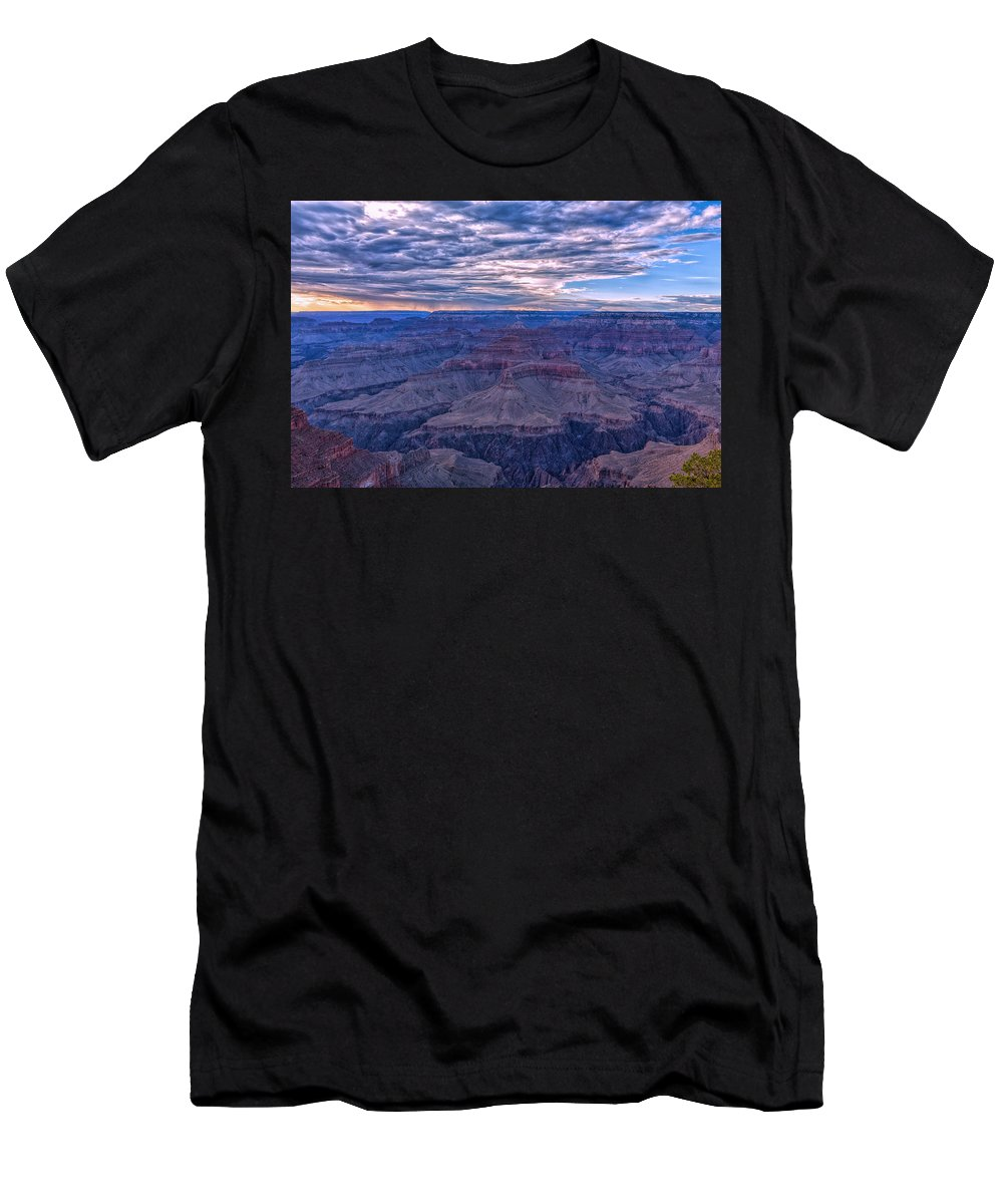 Landscape Men's T-Shirt (Athletic Fit) featuring the photograph Evening Show by John M Bailey