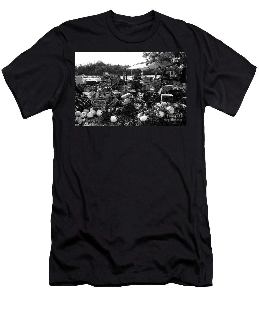 Stone Crabbing Men's T-Shirt (Athletic Fit) featuring the photograph Everglades City Life by David Lee Thompson