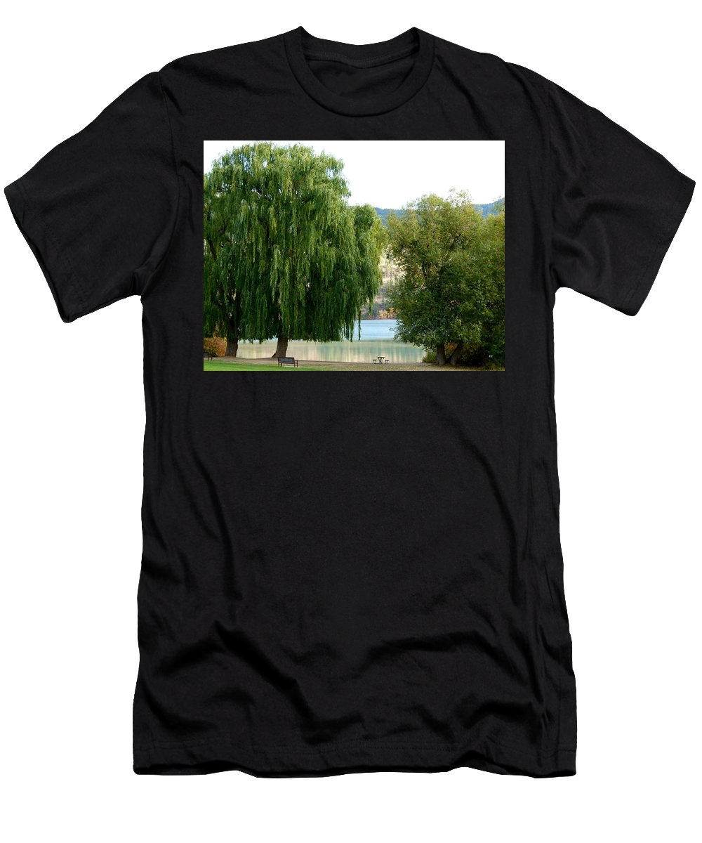 Kaloya Park Men's T-Shirt (Athletic Fit) featuring the photograph Fall In Kaloya Park 6 by Will Borden