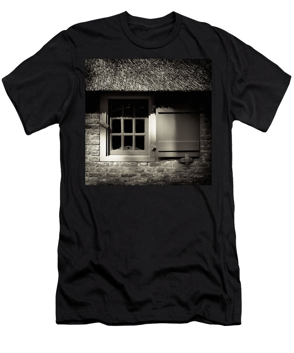 Dutch Men's T-Shirt (Athletic Fit) featuring the photograph Farmhouse Window by Dave Bowman
