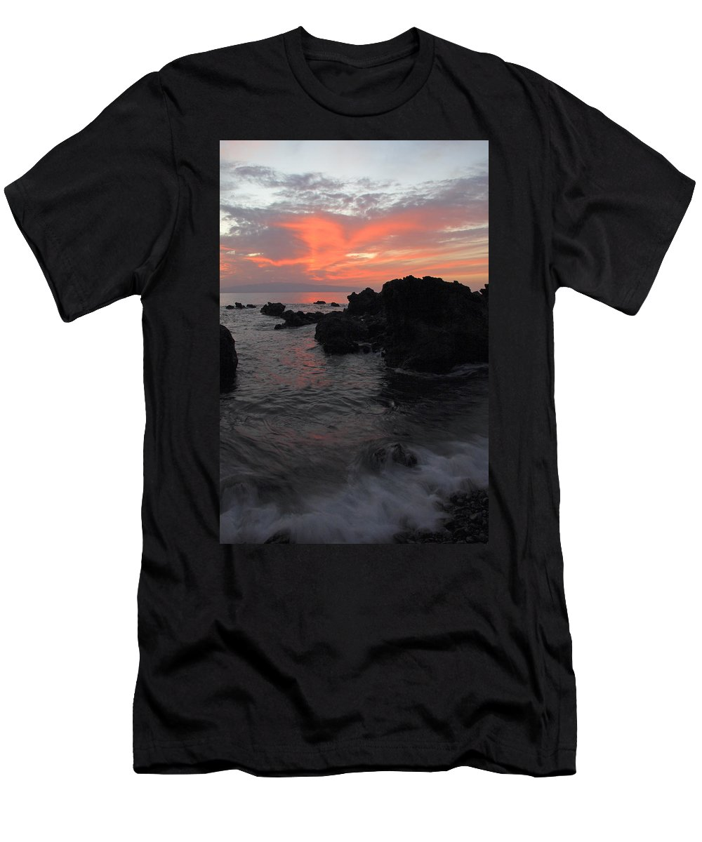Seascape Men's T-Shirt (Athletic Fit) featuring the photograph Fonsalia Red by Phil Crean