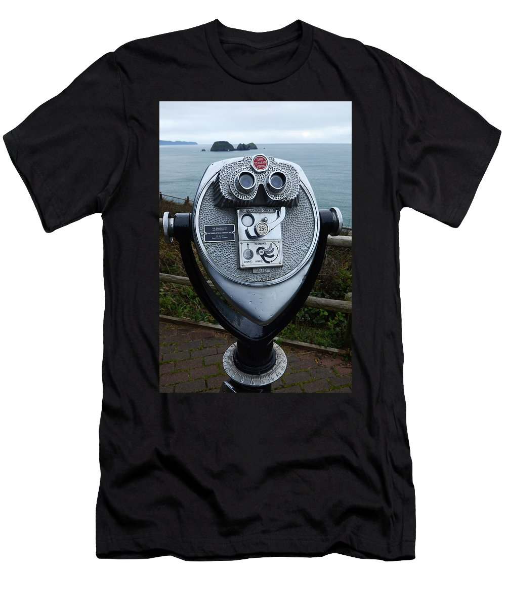 Oregon Men's T-Shirt (Athletic Fit) featuring the photograph For Your Eyes Only by Bob Christopher