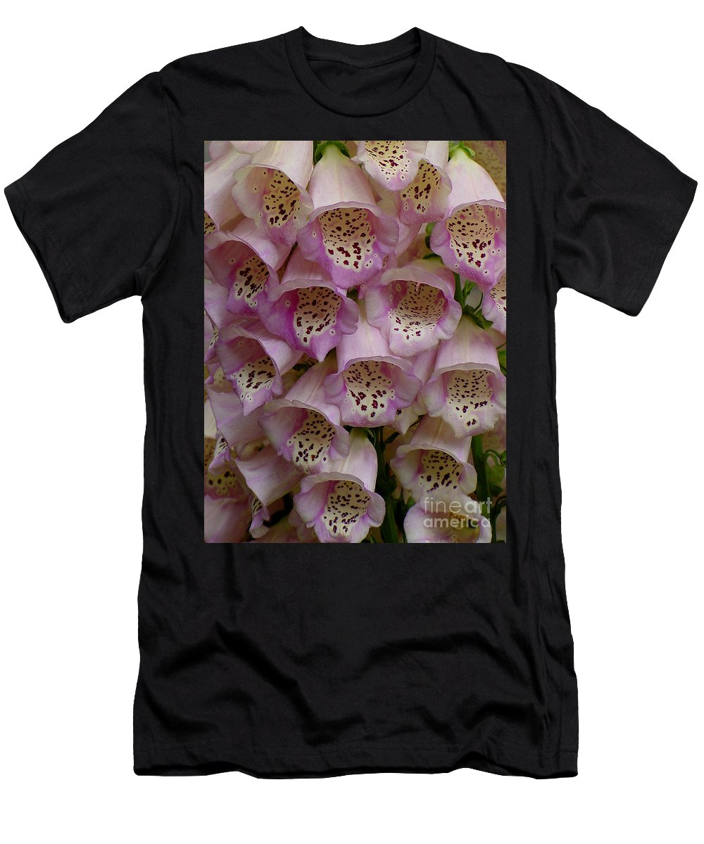 Flower Men's T-Shirt (Athletic Fit) featuring the photograph Foxglove Upclose by Shirley Heyn