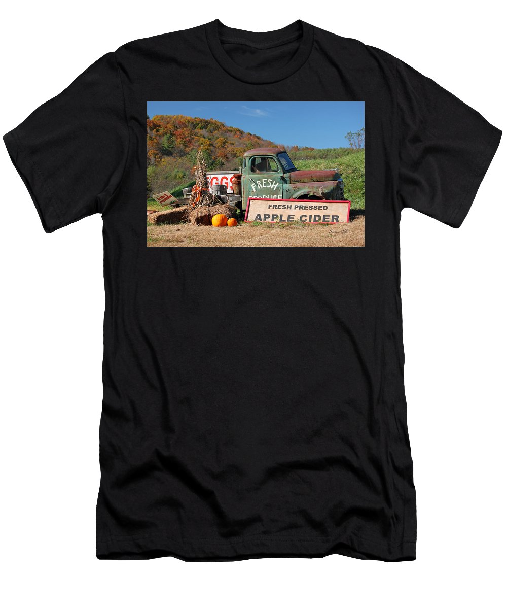 Fall Men's T-Shirt (Athletic Fit) featuring the photograph Fresh by Suzanne Gaff
