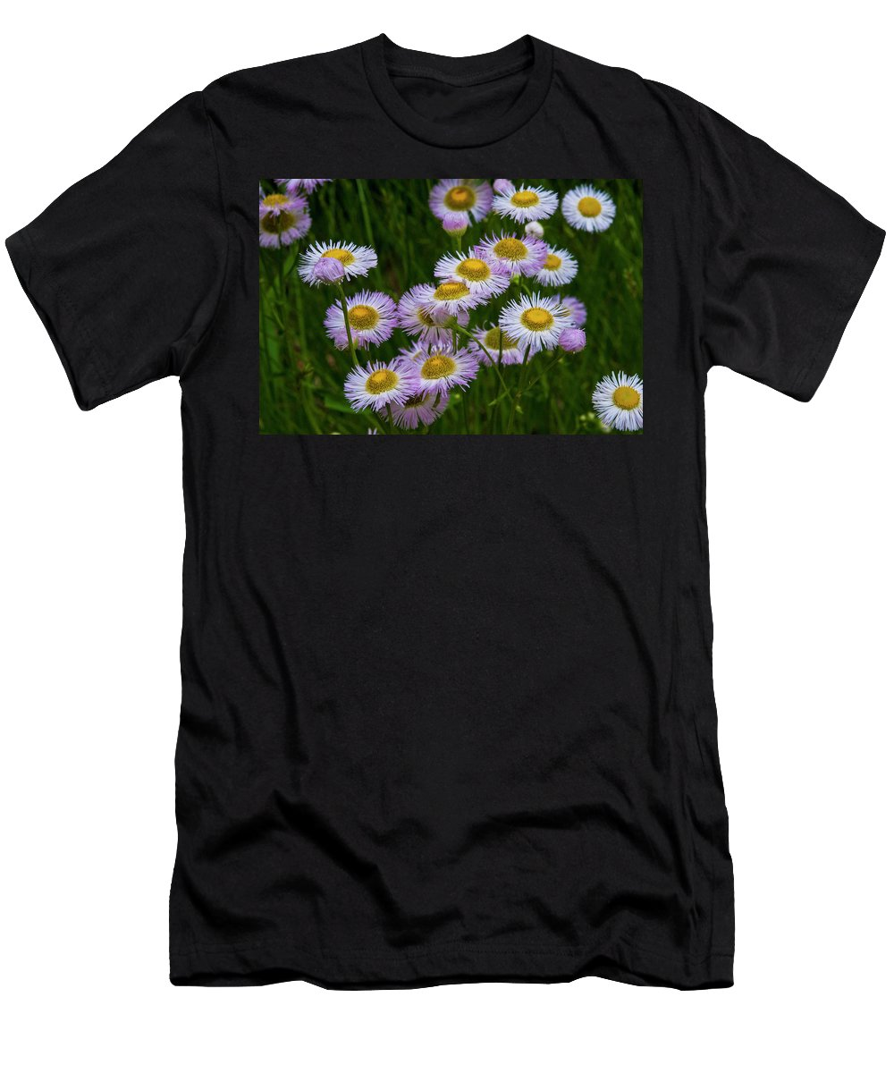 Daisy Men's T-Shirt (Athletic Fit) featuring the photograph Sometimes It's Complicated by Ginnie Lerch