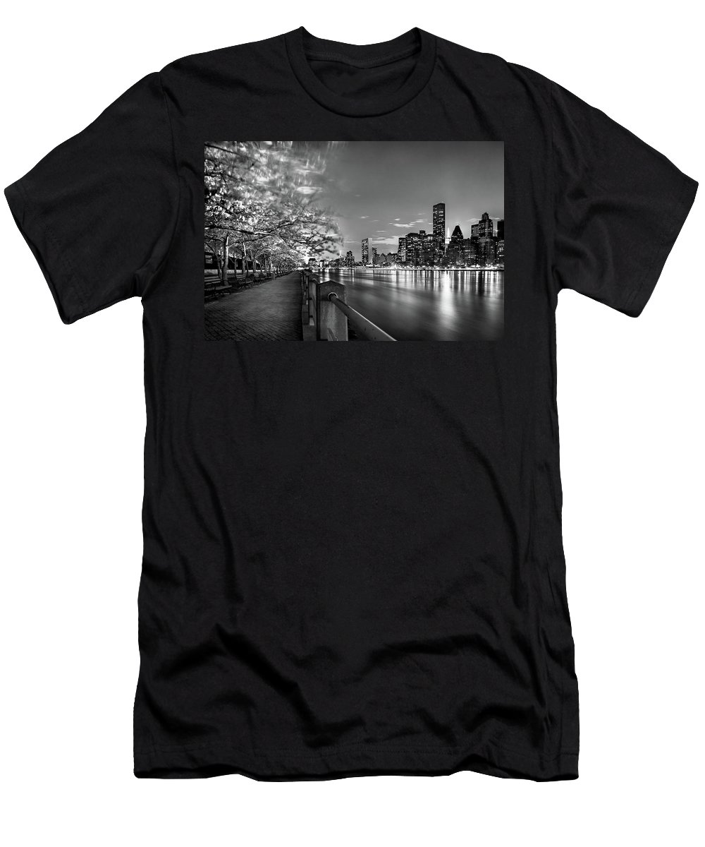 One World Trade Center Men's T-Shirt (Athletic Fit) featuring the photograph Front Row Roosevelt Island by Az Jackson