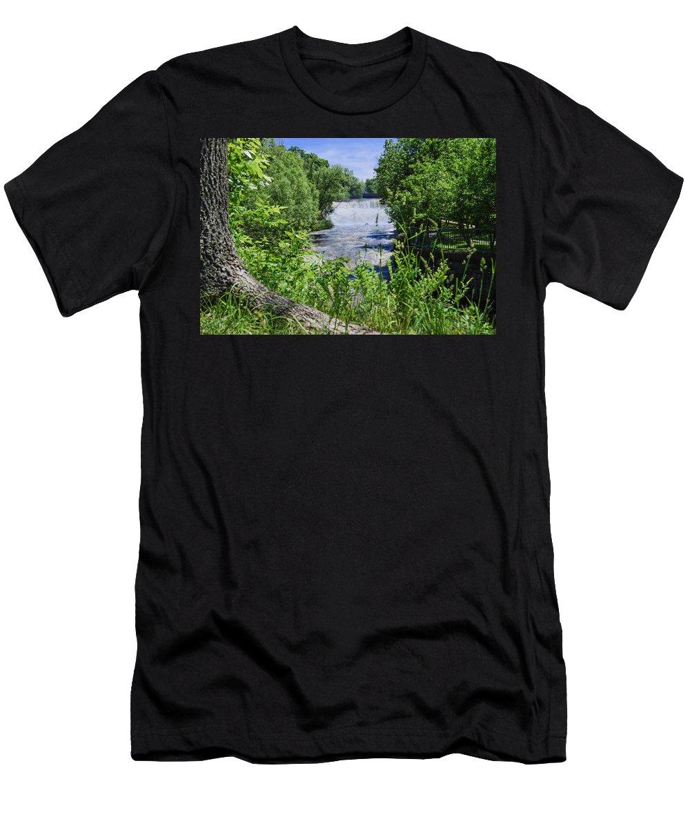 Glen Men's T-Shirt (Athletic Fit) featuring the photograph Glen Falls by Miranda Strapason