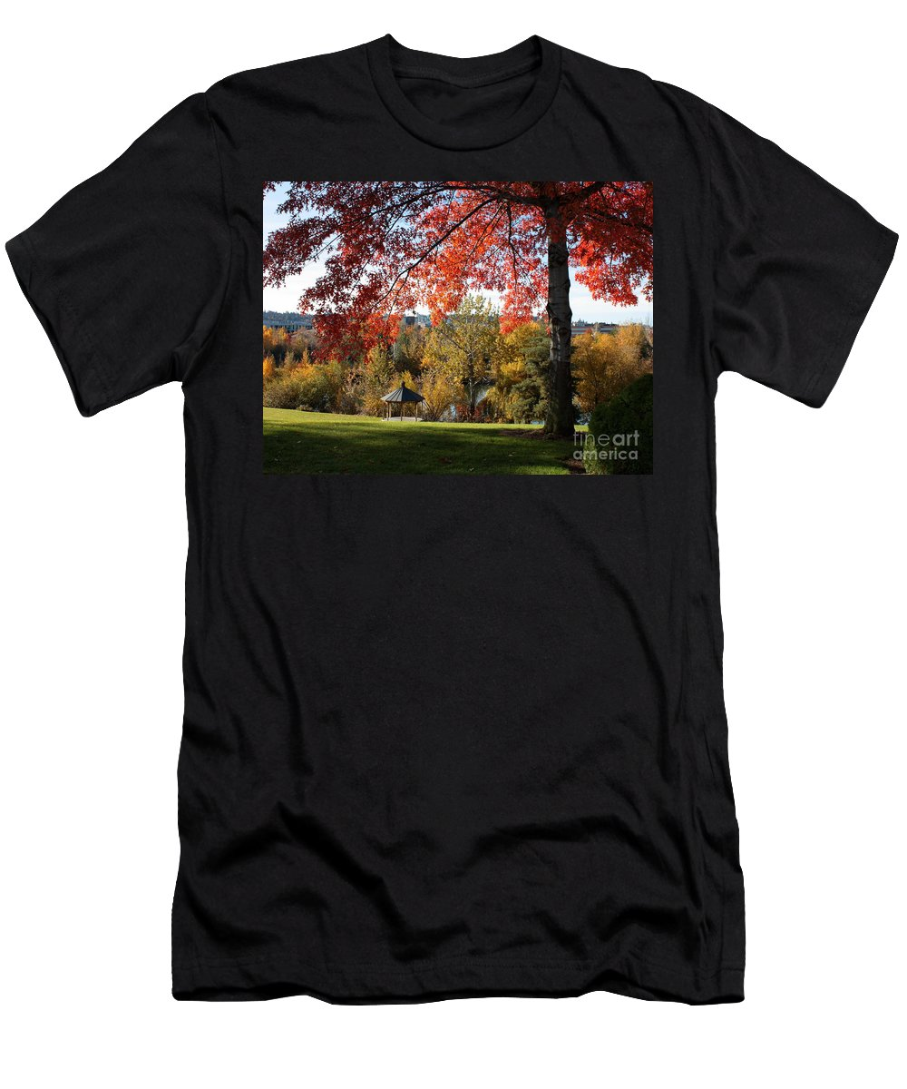 Spokane Men's T-Shirt (Athletic Fit) featuring the photograph Gonzaga With Autumn Tree Canopy by Carol Groenen