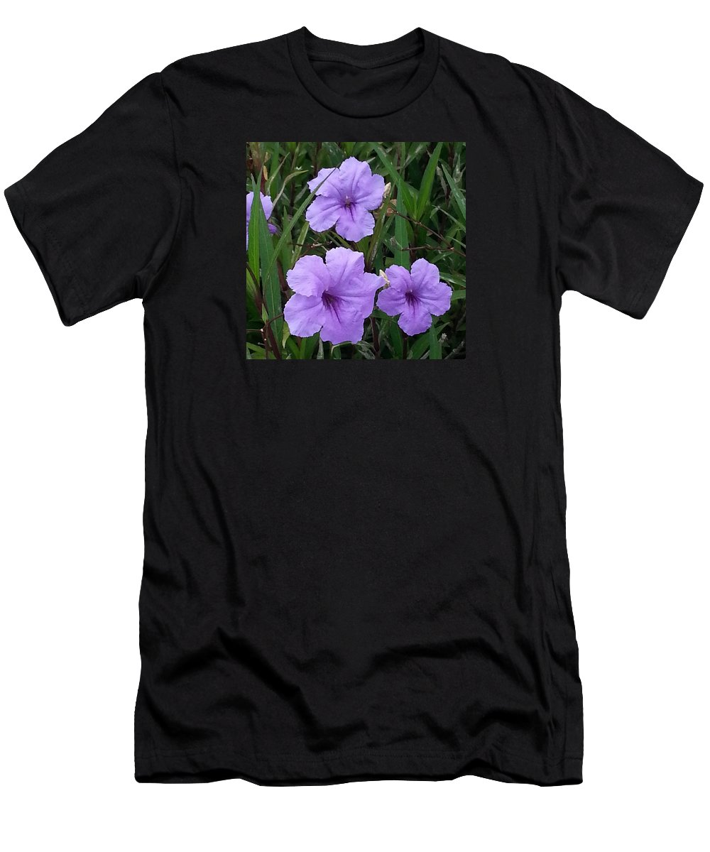Flowers Men's T-Shirt (Athletic Fit) featuring the photograph Good Feeling by Yokasta Corporan