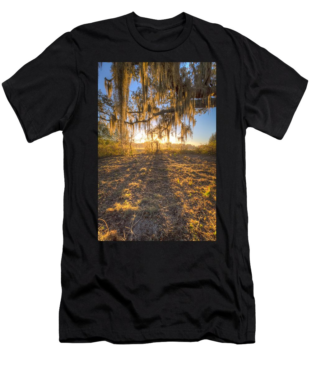 Oak Men's T-Shirt (Athletic Fit) featuring the photograph Good Morning At The Oak by Ronald Kotinsky
