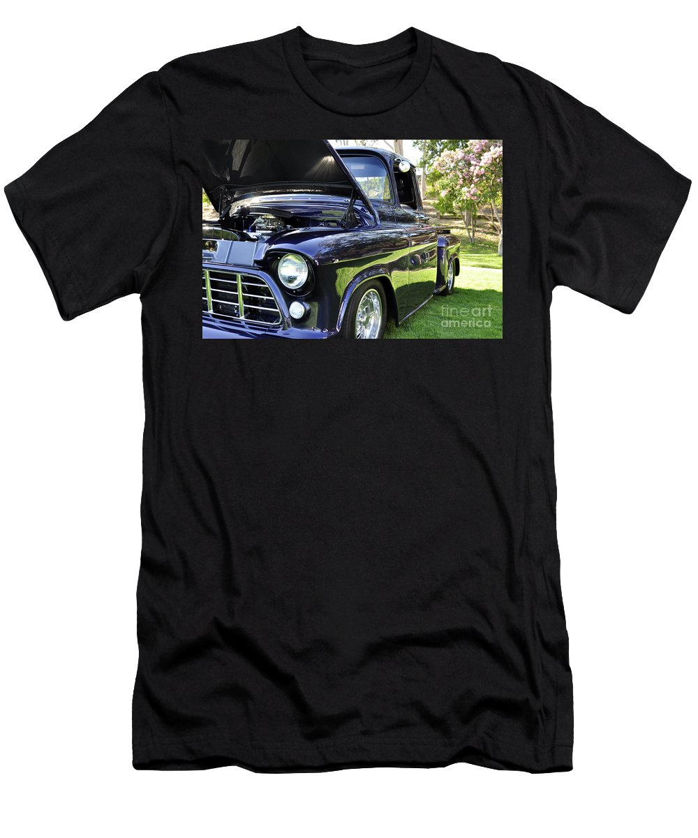Clay Men's T-Shirt (Athletic Fit) featuring the photograph Grape Fully Blown Pickup by Clayton Bruster