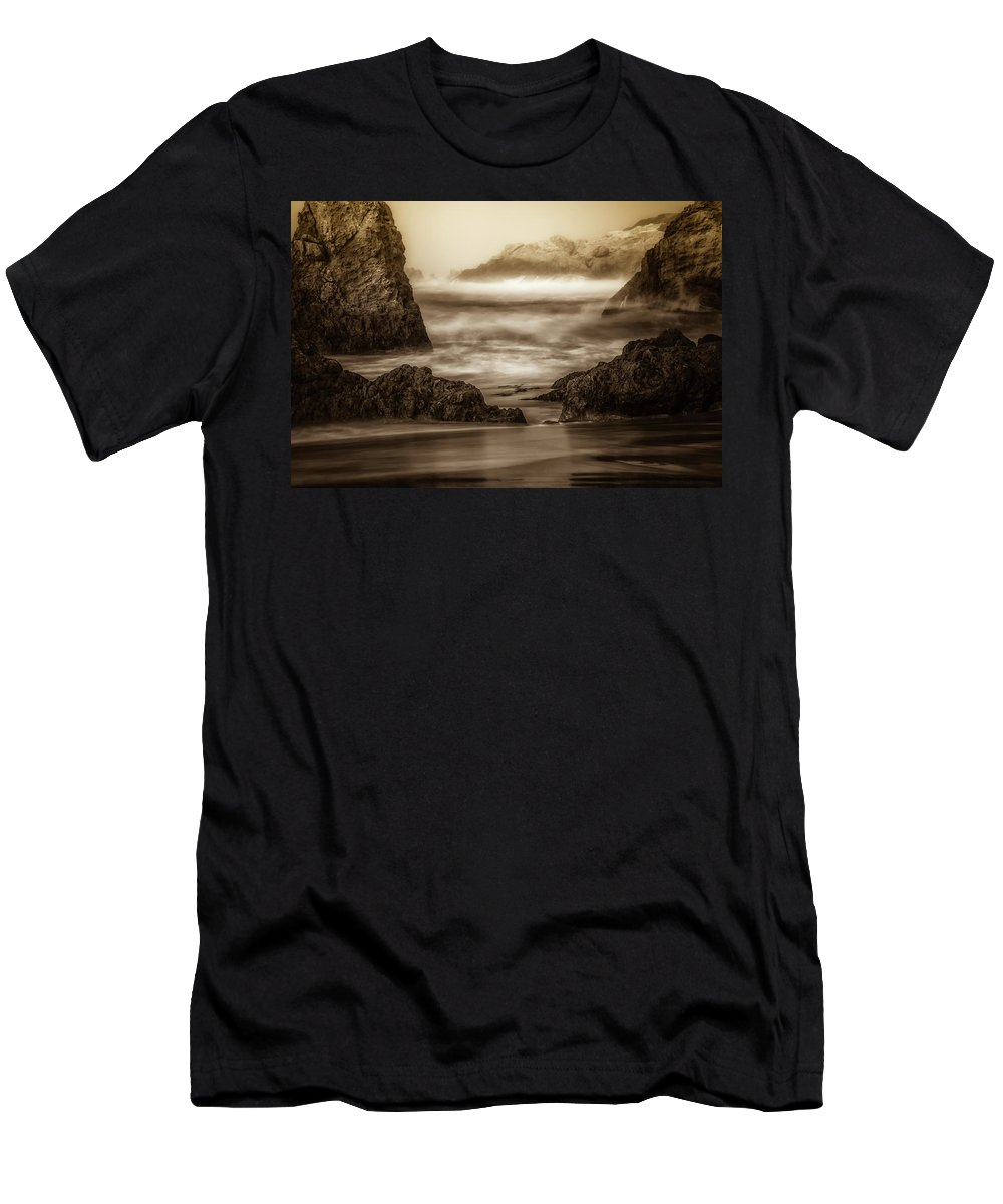 California Men's T-Shirt (Athletic Fit) featuring the photograph Great Escape by Marnie Patchett