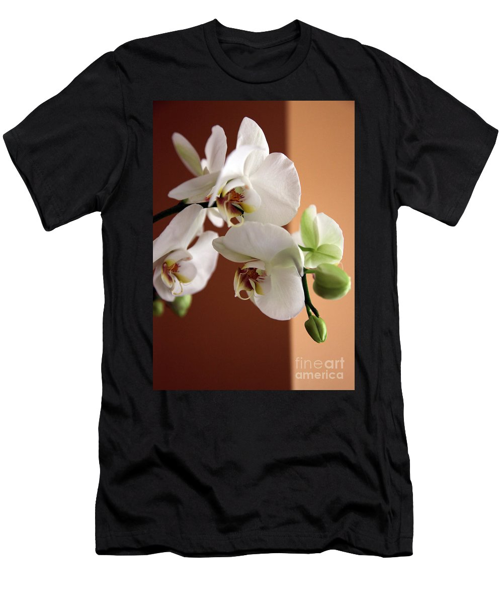 Orchid Men's T-Shirt (Athletic Fit) featuring the photograph Greeting The Day by Amanda Barcon