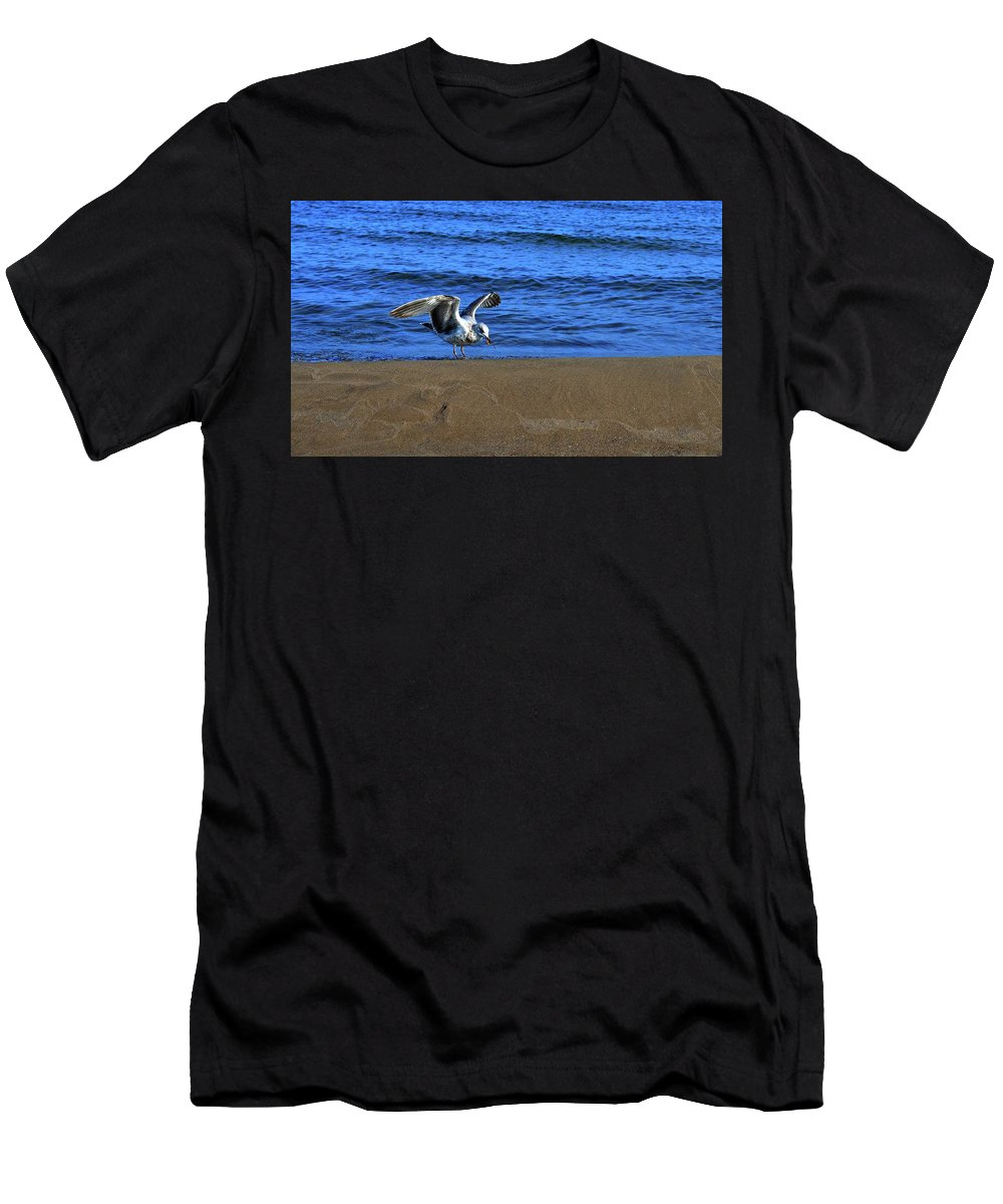 Abstract Men's T-Shirt (Athletic Fit) featuring the photograph Gull On The Beach by Lyle Crump