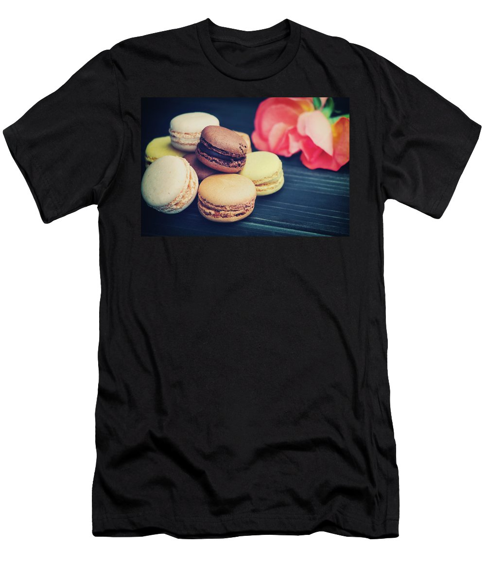 Macaroon Men's T-Shirt (Athletic Fit) featuring the photograph Haiku Sur Doux Reves by Iryna Goodall