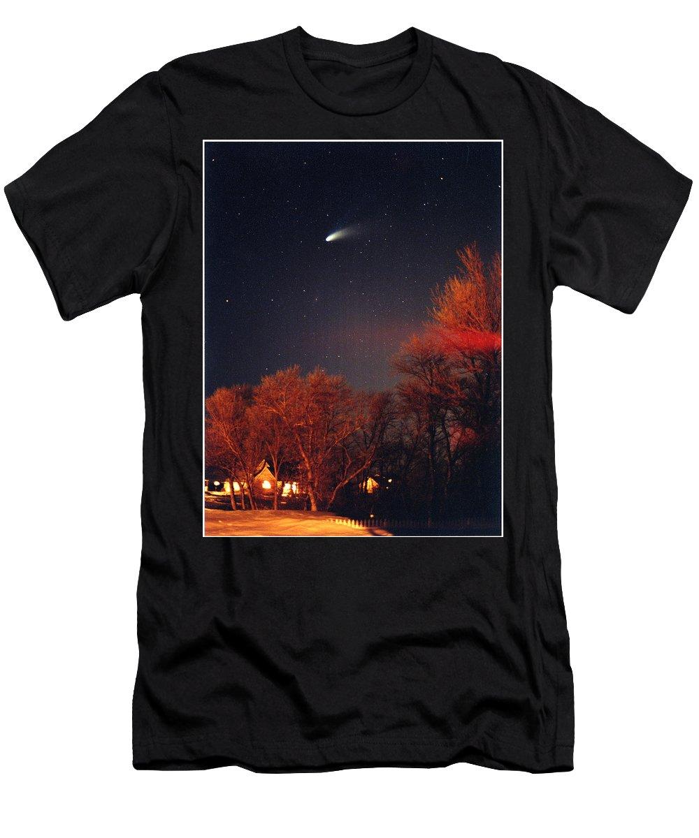 Comet Men's T-Shirt (Athletic Fit) featuring the photograph Hale-bopp Comet by Nancy Mueller