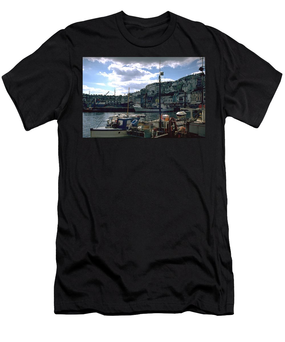 Great Britain Men's T-Shirt (Athletic Fit) featuring the photograph Harbor II by Flavia Westerwelle