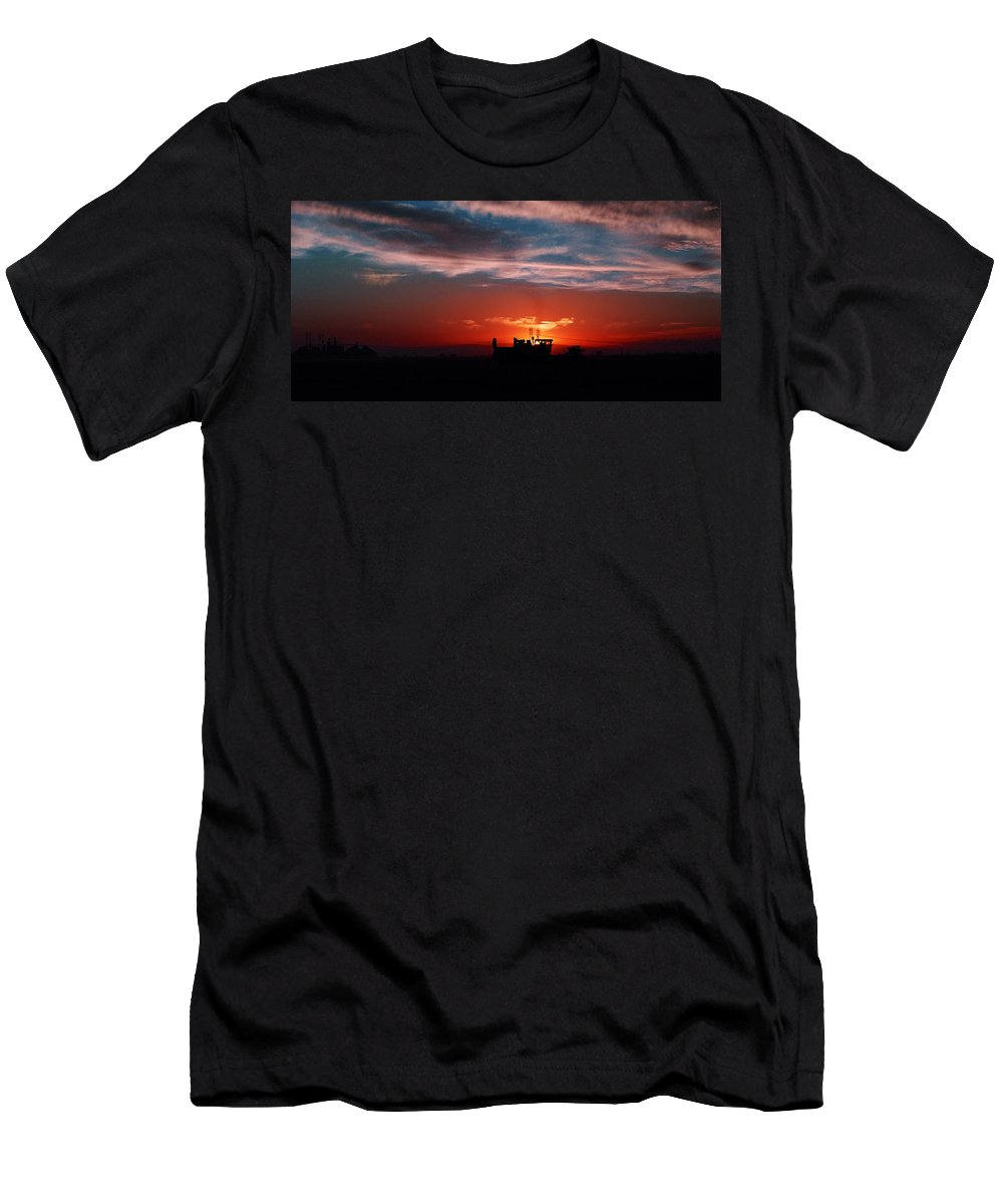 Sunset Men's T-Shirt (Athletic Fit) featuring the photograph Harvest by Peter Piatt