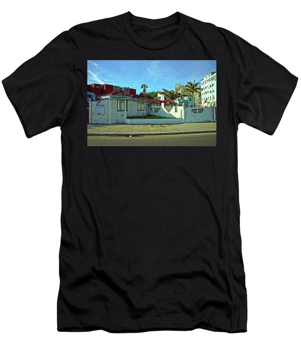 Havana Men's T-Shirt (Athletic Fit) featuring the photograph Havana-49 by Rezzan Erguvan-Onal