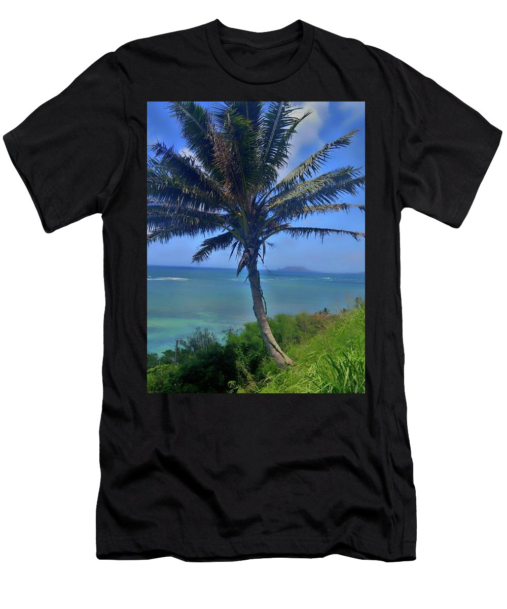 Hawaii Men's T-Shirt (Athletic Fit) featuring the photograph Hawaii Palm by Tanya Reavis