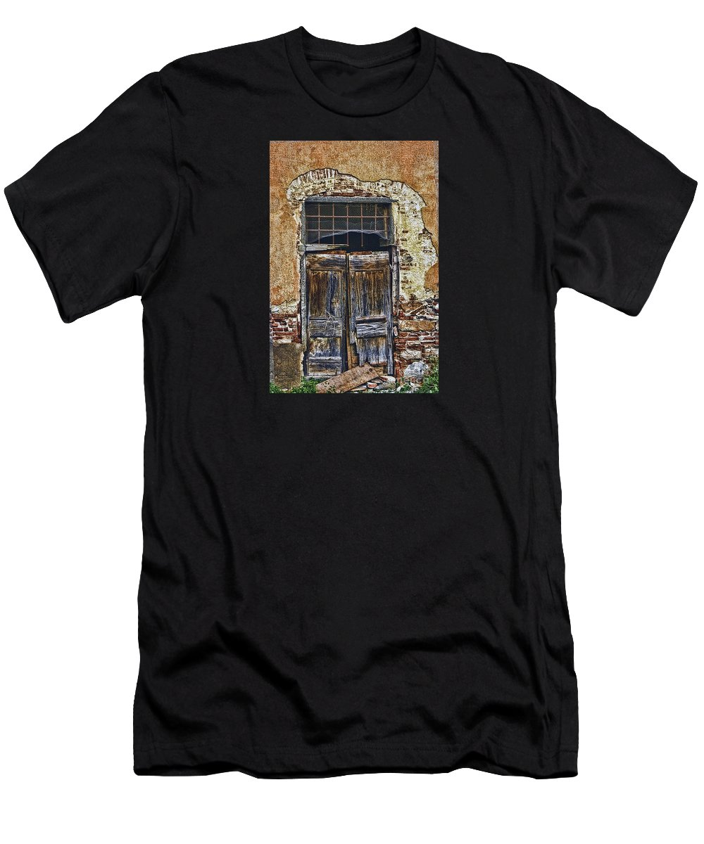 Landscape Photo Graph Men's T-Shirt (Athletic Fit) featuring the photograph Heart Break Hotel by Tom Prendergast