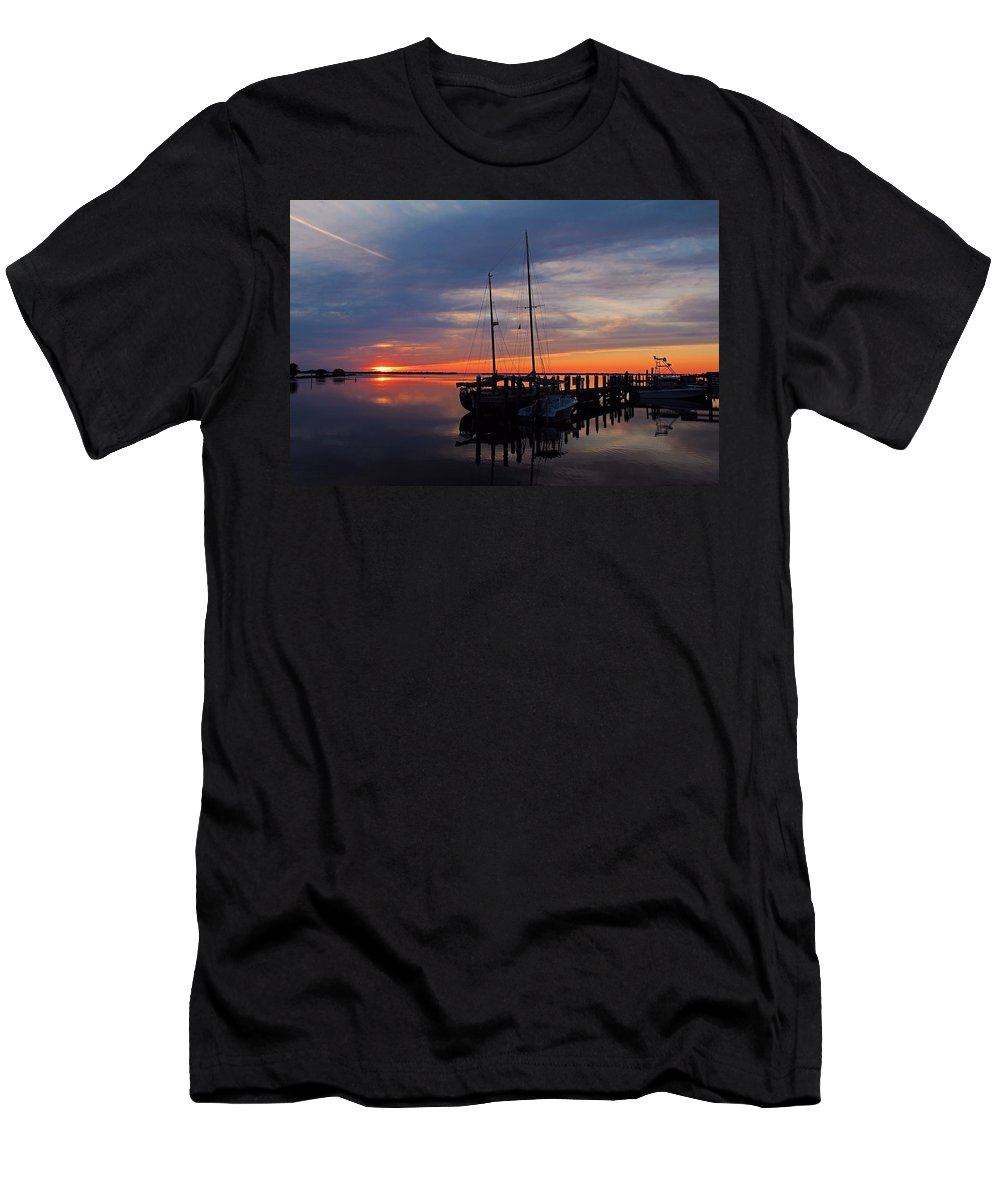 Sunset Men's T-Shirt (Athletic Fit) featuring the photograph Heart Of Light by Michiale Schneider