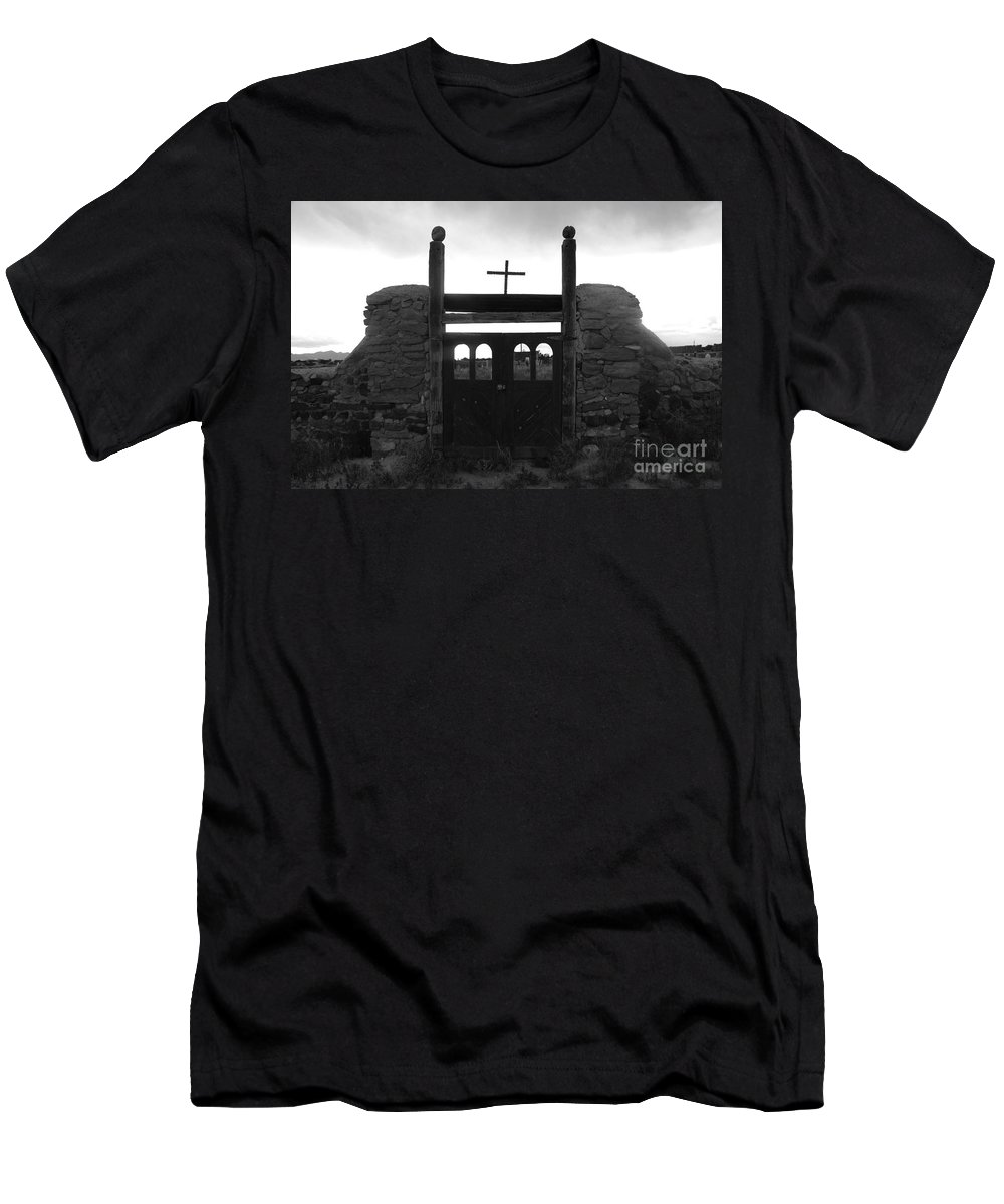 Heaven Men's T-Shirt (Athletic Fit) featuring the photograph Heaven's Gate by David Lee Thompson