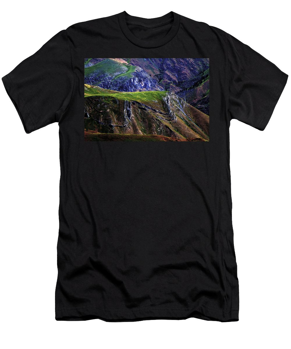 Nature Men's T-Shirt (Athletic Fit) featuring the photograph Hells Canyon by Joseph Noonan