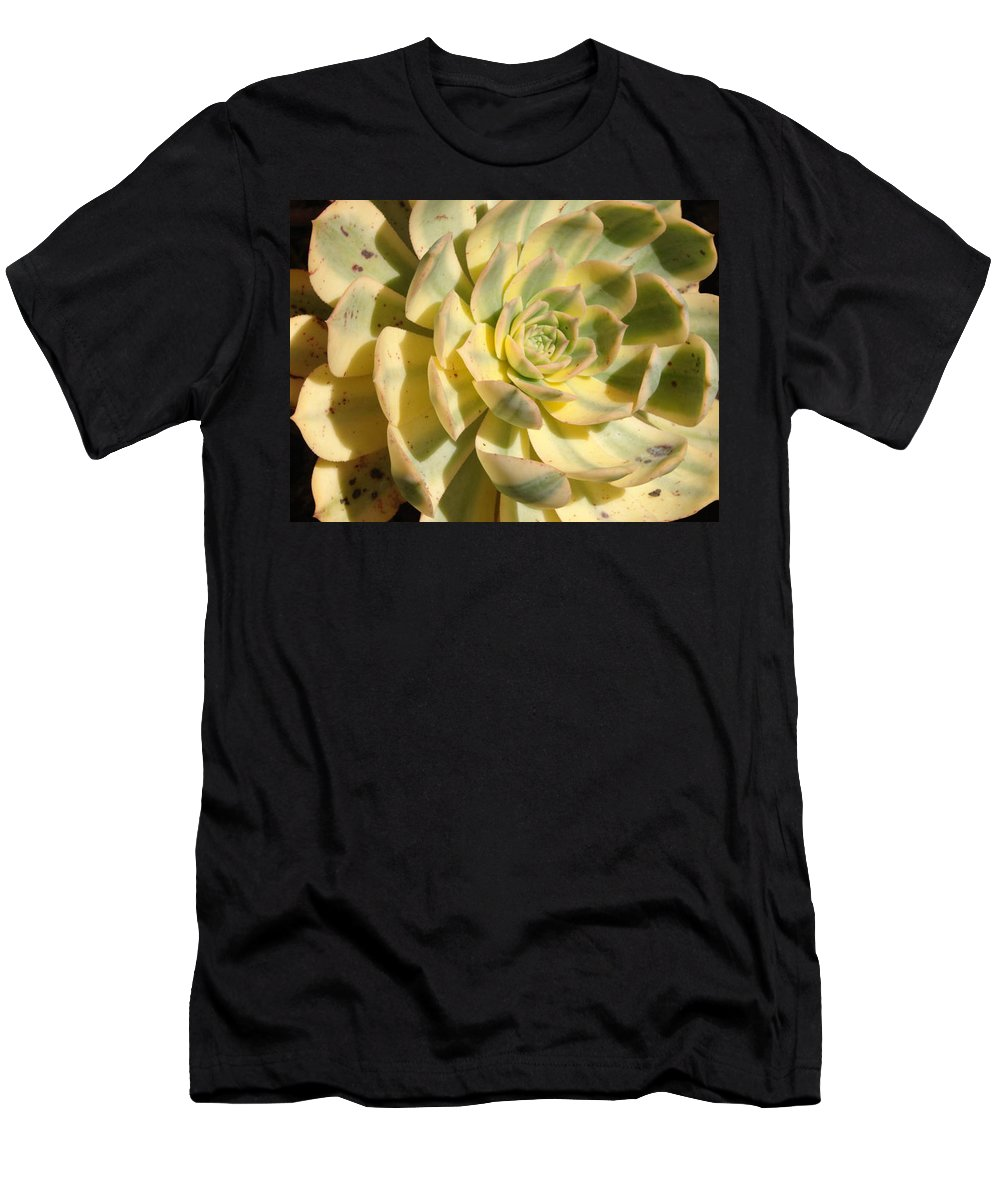 Nature Men's T-Shirt (Athletic Fit) featuring the photograph Hen by Lois Boyce