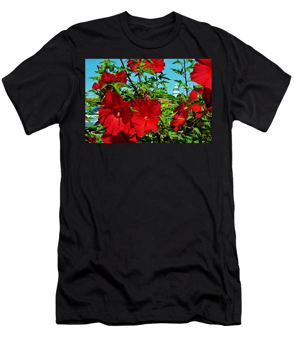 Annapolis Men's T-Shirt (Athletic Fit) featuring the photograph Hibiscus In Naptown by Beth Deitrick