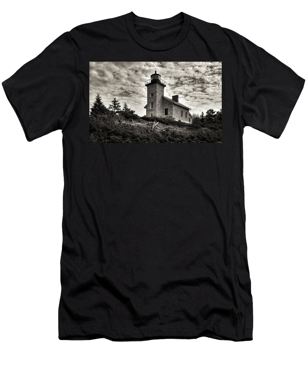 Keweenaw Men's T-Shirt (Athletic Fit) featuring the photograph History's View by Scott Wendt Tom Wierciak